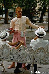 bhakta sludina cilvēkiem parkā